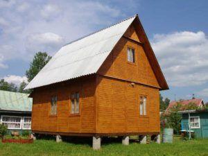 дом на железобетонных сваях