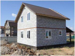 Двухэтажный дом из пенобетона