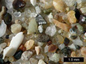 Мелкий песок при увеличении