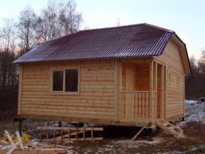 Деревянная баня на свайном фундаменте