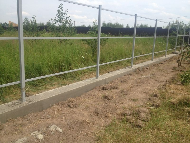 Забор с ленточным фундаментом