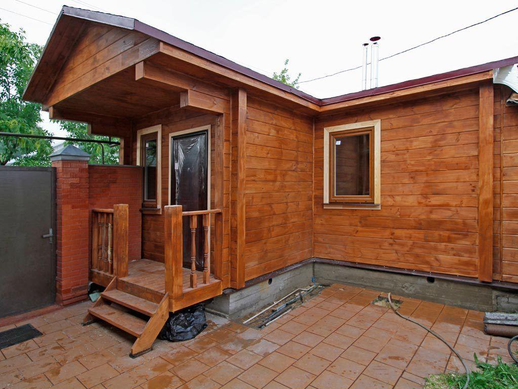 Деревянный дом с продухами в фундаменте