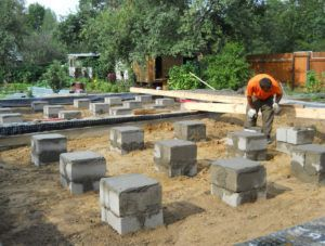 столбчатый фундамент на бетонных блоках