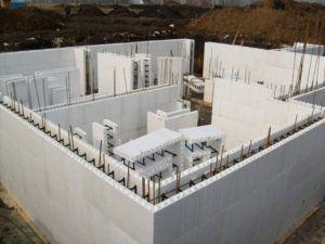 Блоки собирают по типу конструктора.